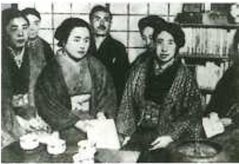 Figure 2: 大正・新婦人協会の平塚明子、市川房枝ら, 1920. Mainichi.